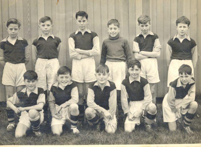 Broom Barns school football team