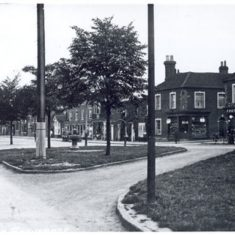 Taken from the Bowling Green. Culpins Shoe Shop is the nearest shop - the one behind it is (or later became) Bickells jewellers. The road between them is Orchard Road. Bickells was demolished to make way for the new road in the 1970s.