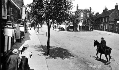 Stevenage High Street looking North c.1900   Stevenage Museum P120