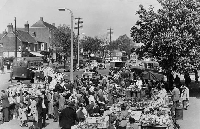 Open air market in the High Street in 1953