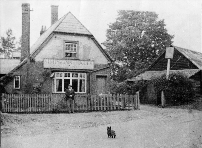 The Red Lion, Shephall. Photo taken in 1940 | Stevenage Museum. P5211.