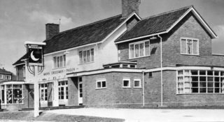 The Man in the Moon pub in 1957 | Stevenage Museum P7900