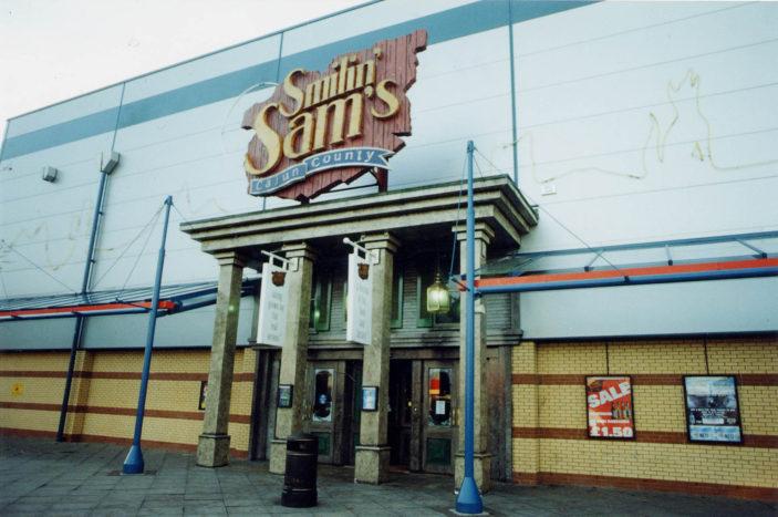 Smilin Sams. Photo taken in 2000 | Stevenage Museum. PP568