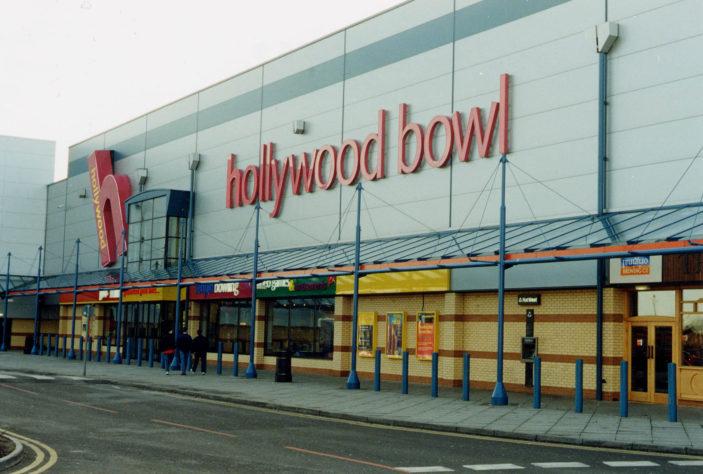 Hollywood Bowl. Stevenage Leisure Park. Photo taken in 2000. | Stevenage Museum. PP569