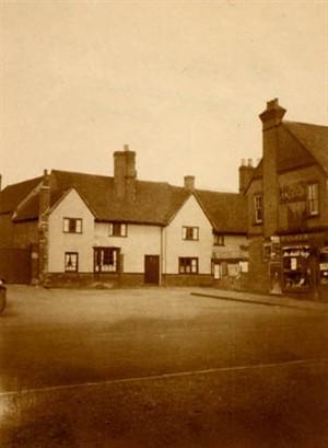 The old Castle Inn | Stevenage Museum 1930's